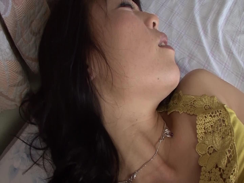 デカ乳首おばさんのローター腰振りオナニー